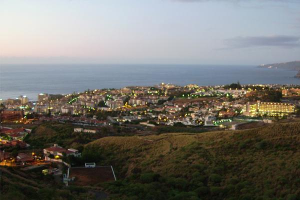 vista puerto de la cruz Saludos desde Puerto de la Cruz – Viaje por el norte de Tenerife