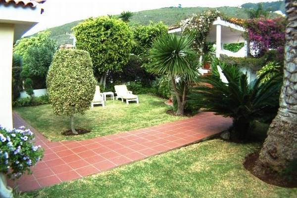 jardines tropicales con árboles frutales  Inmobiliaria Tenerife