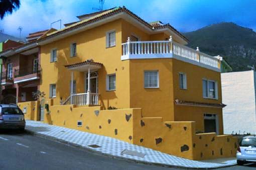 Vivienda unifamiliar con 4 dormitorios y vistas bonitas al mar
