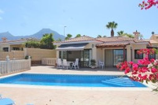 Magnífico chalet con piscina en Costa Adeje, Tenerife