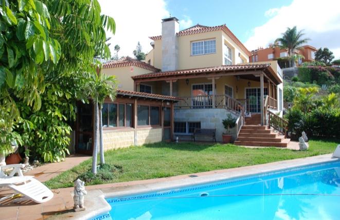 Gran chalet de diseño exclusivo, piscina, vistas al Teide y al mar en Tacoronte