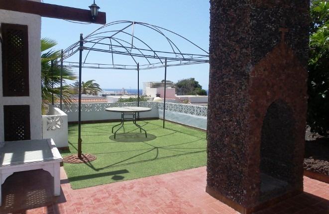 el por s de abona casa con garaje y azotea cerca de la playa. Black Bedroom Furniture Sets. Home Design Ideas