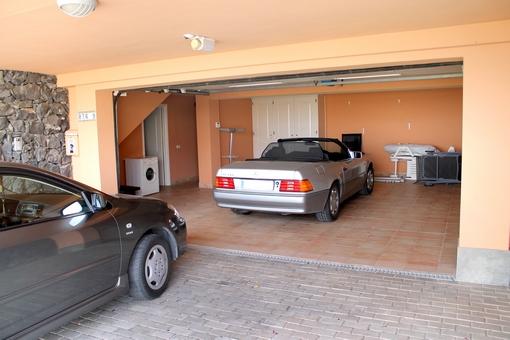 Garaje para dos vehículos