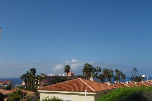Villa preciosa en la Costa Adeje con piscina privada, gran terraza y bonitas vistas al mar
