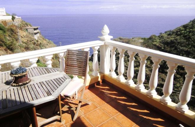 Casa en Los Realejos con 4 terrazas, magnífica vistas al mar y ruta privada a la playa