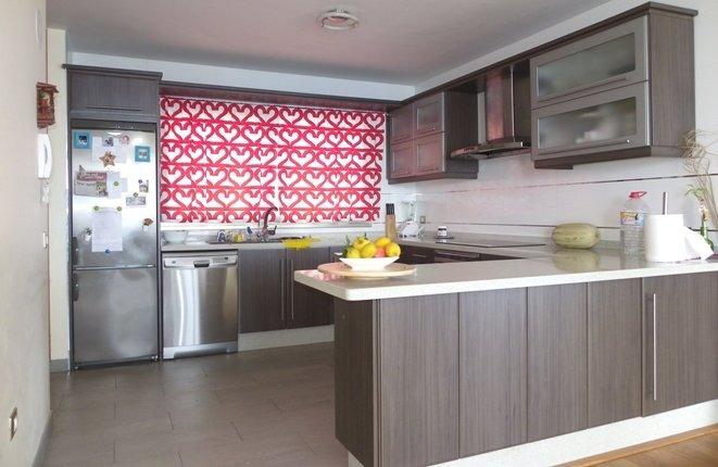 Cocina moderna con mucho espacio