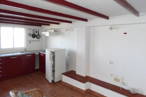 La cocina con suficiente espacio para un comedor