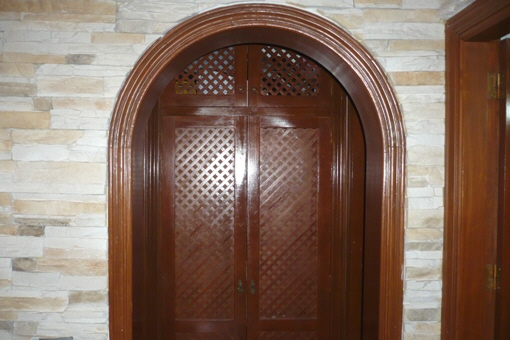 Puerta de acceso a la habitación principal