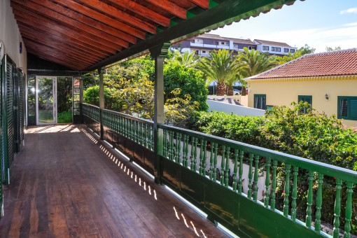 Casa canaria sin amueblar con 2 terrazas