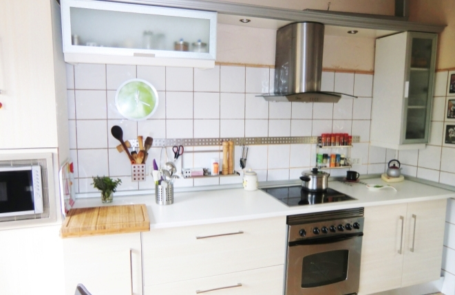 Luminosa cocina totalmente equipada