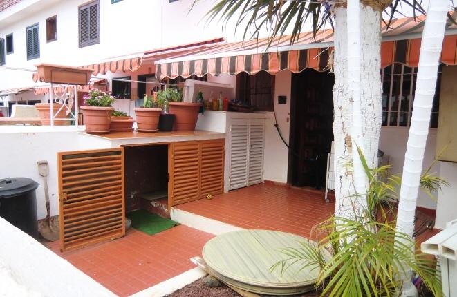 Terraza con zona verde y patio privado