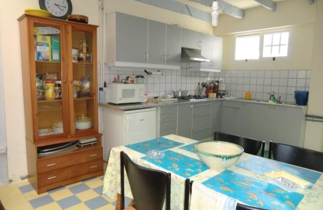 Cocina abierto con otra zona de comedor