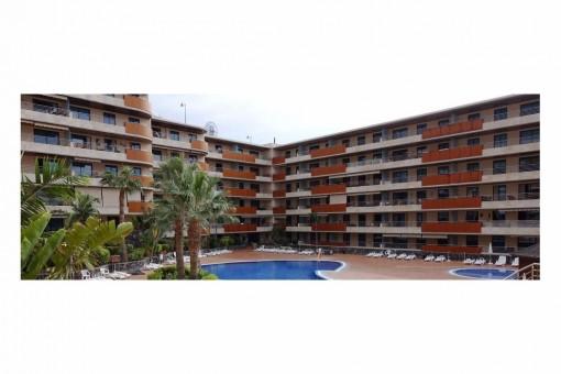 Apartamento de 2 dormitorios en el Balcon de Los Gigantes, con Piscinas y Jacuzzi