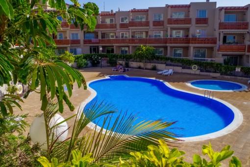 7b47177e9be85 Moderno apartamento con piscina comunitaria en primera línea de ...
