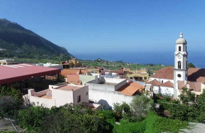 Vista al pueblo y mar